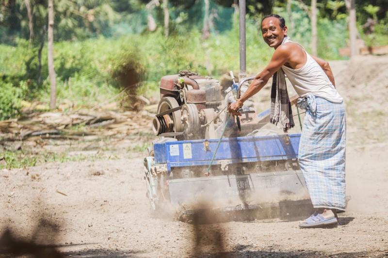 Seeder Fertilizer Drill in Barisal, Bangladesh