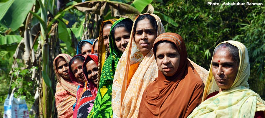 Urmila and other women farmers in the community